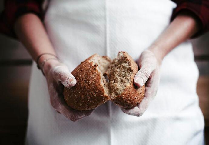 sofie-dumont-brood-handen-chef