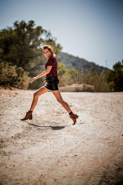 Sofie Dumont in Ibiza, jump