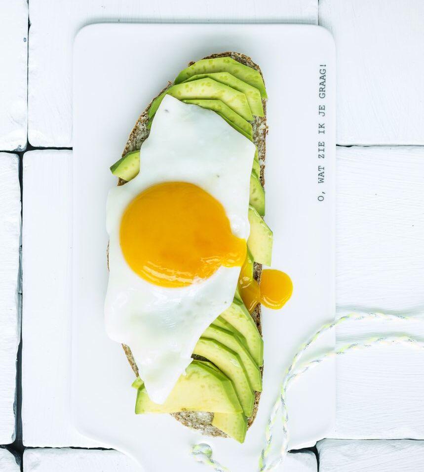avocadotoast-met-spiegelei-volgens-sofie-dumont