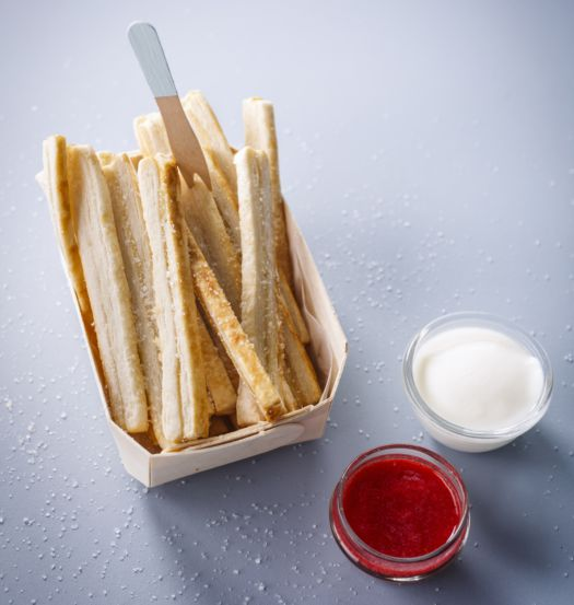 frietjes-met-ketchup-en-mayonaise-door-sofie-dumont