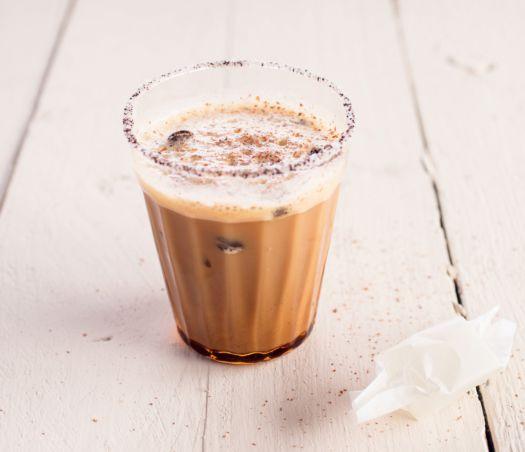 iced-latte-door-sofie-dumont