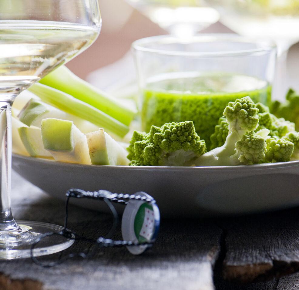 zonnige-dip-met-broccoli-en-koolrabi-door-sofie-dumont
