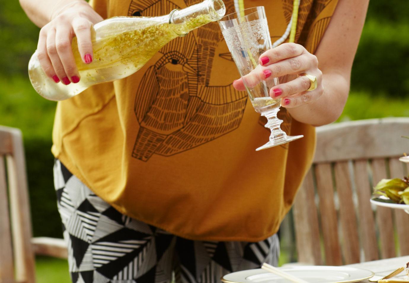 Verse-limonade-van-gember-en-vlierbessen-door-Sofie-Dumont