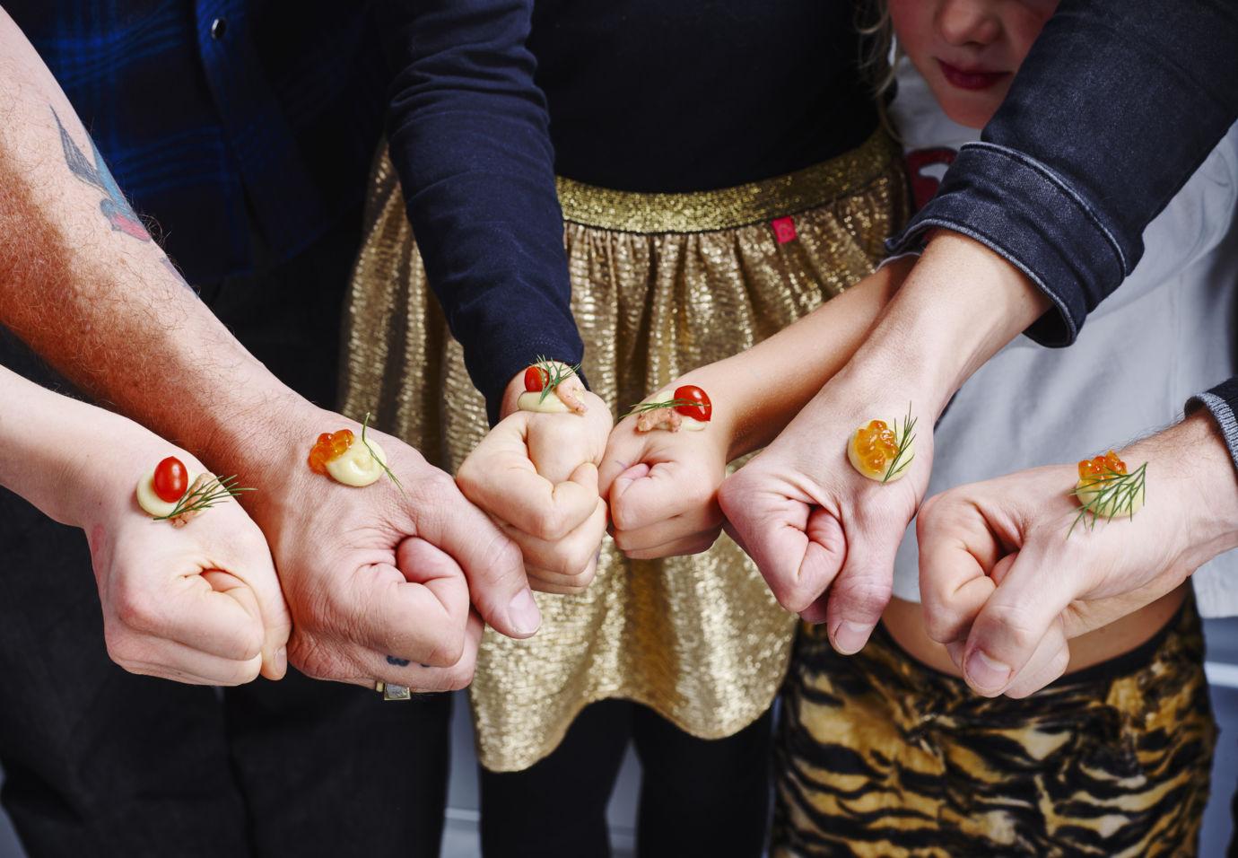 feestelijke handhapjes van aardappel met zalmeitjes en garnalen van Sofie Dumont