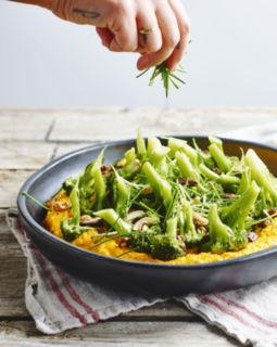 zachte-butternut-met-broccoli-en-mosterdnootjes_510x640_bijgeknipt