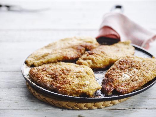 Kippen of groentenschnitzels en radijzensalsa door Sofie Dumont - Schnitsels