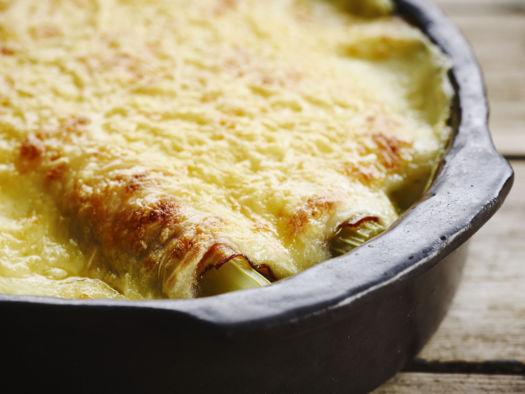 Gegratineerde hespenrolletjes met selder, aardappel-kaassaus door Sofie Dumont
