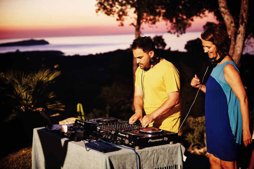 Sunset Mix at Blue Hill Ibiza for Sofie Dumont - Charlise N Chaplin (19/06/18)