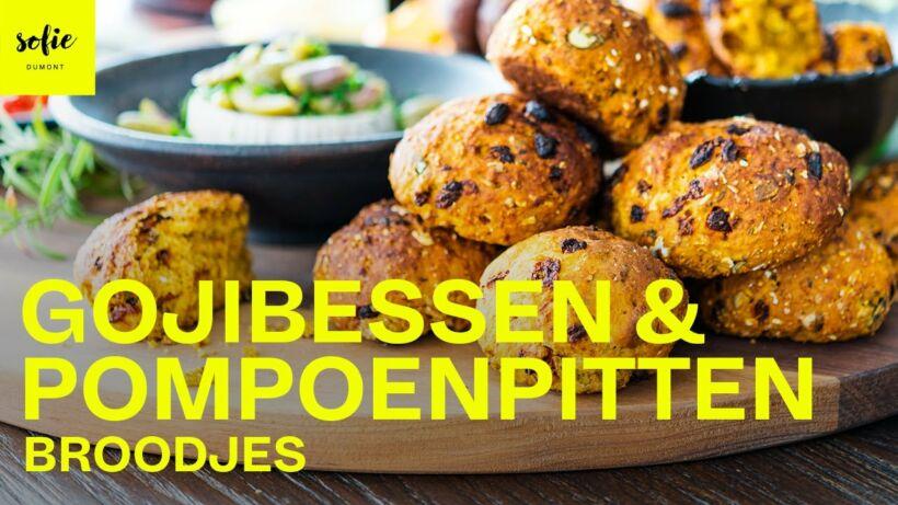 Broodjes met pompoenpitten en gojibes