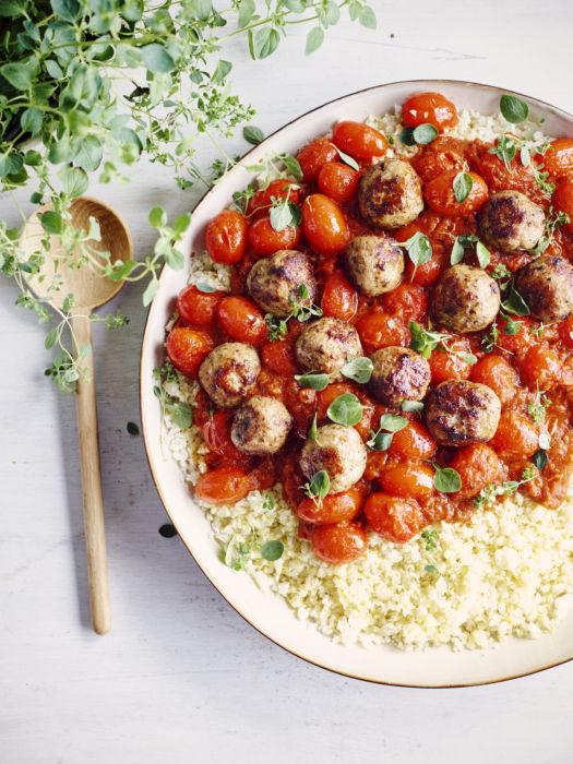 Bloemkoolrijst met gepofte tomaat en balletjes door Sofie Dumont