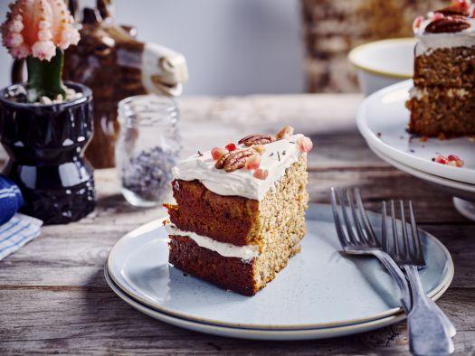 Glutenvrije carrot cake met yoghurt-roomkaas icing