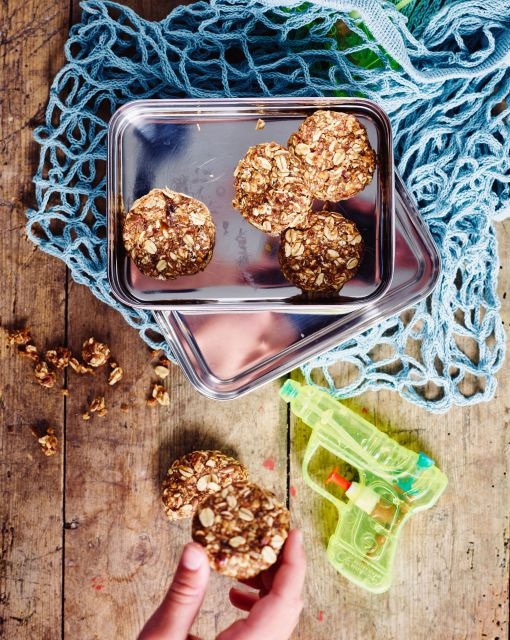 havermout-dadel-cookies-no-bake-door-sofie-dumont-scaled_1020x1280_bijgeknipt