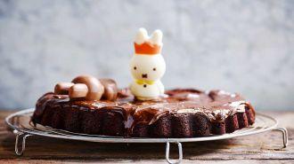 Chocoladetaart van paaseitjes