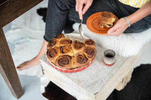 Cinnamon-rolls-met-speltbloem-door-Sofie-Dumont