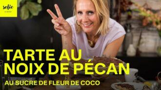 Tarte aux noix de pécan avec du sucre de fleur de coco