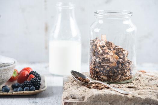 gezonde-granola-met-havermout-kokos-en-chocolade-door-sofie-dumont
