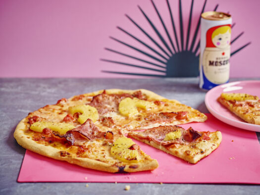 Pizza-Hawai-door-Sofie-Dumont