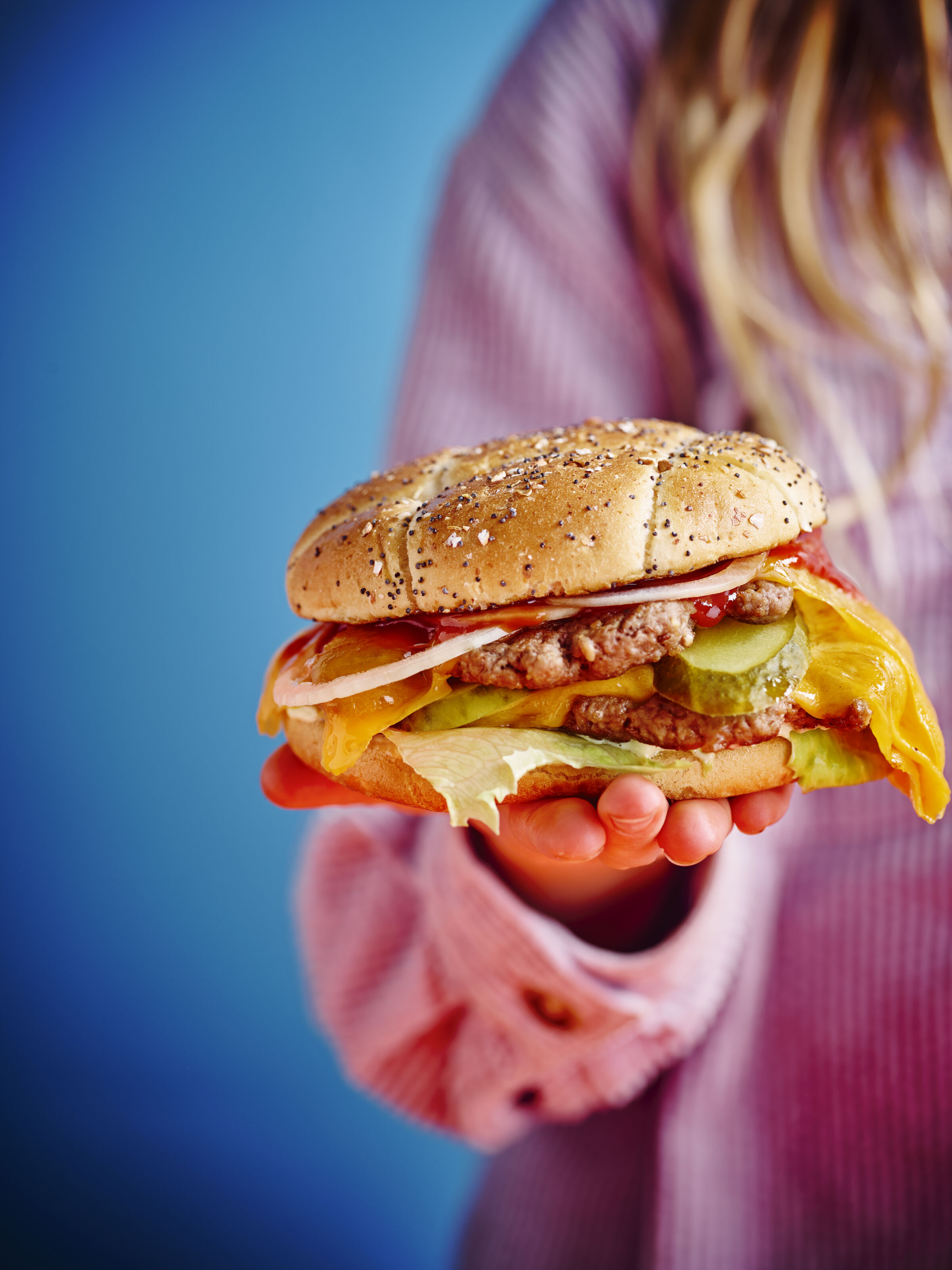 SOFIE DUMONT 22-01 cheeseburger 144722
