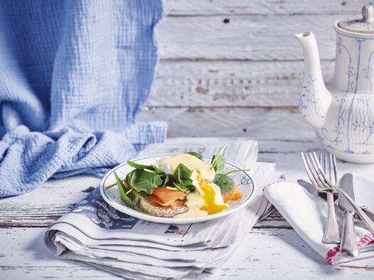 Eggs-benedict-met-gerookte-zalm-en-spinazie-door-Sofie-Dumont