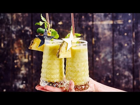 Frozen cocktail van gin, ananas en munt
