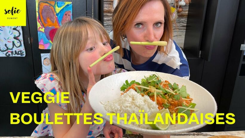 Boulettes thai végétariennes avec une sauce tomates