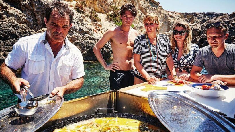 Gebakken langoesten, Bullit de peix en frisse sangria met Toni en Sergio