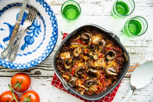 Vegetarische-moussaka-met-linzen-en-tomatensaus-door-Sofie-Dumont