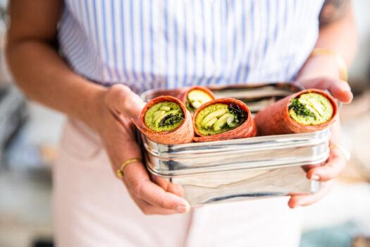 Wrap-met-pesto-omelet-door-Sofie-Dumont